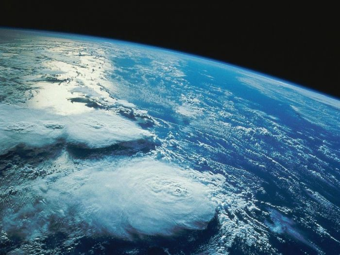 наша планета почти на 80% покрыта водой, для питья пригоден лишь 1%.