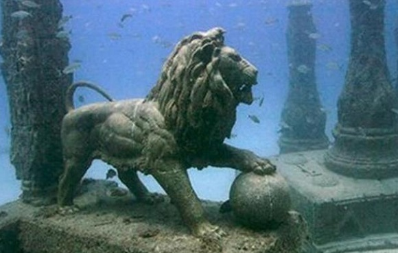 древний город Гераклион, был основан Александром Македонским в 331 году до н. э. Статуя льва в городе гераклион под водой