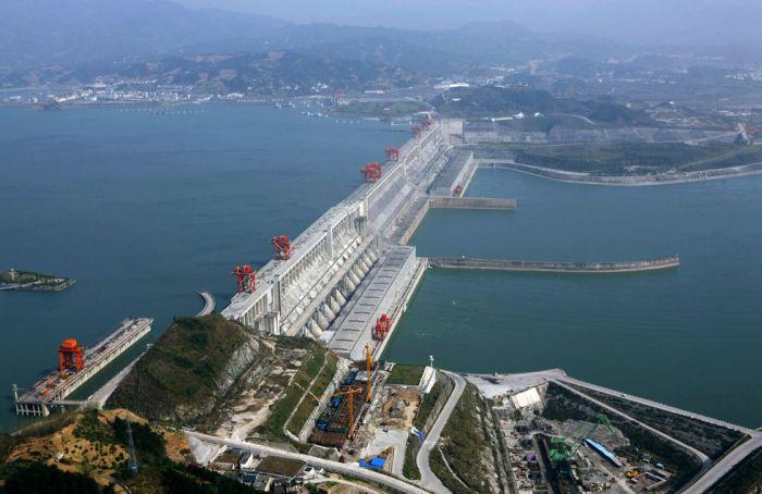 Самые интересные факты о Китае. самая большая на планете гидроэлектростанция, называется Три Ущелья