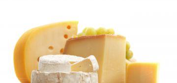 Самые интересные факты о сыре. Сыр – очень полезный, вкусный продукт, который кушают и дети и взрослые. Сыр настолько популярен, что многие не представляют своей жизни без него.