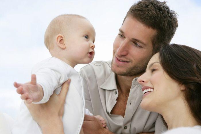 Дети — цветы жизни! Плачут, смеются, играют, задают детские вопросы. Предлагаем интересные факты о детях, об их образе жизни в разных странах. дети запоминают слова мама и пап потому что во всех языках мира они похожи