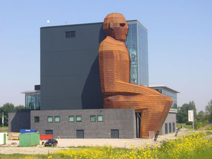 """Музей человеческого тела Corpus – научно – популярный музей, построенный в 2007 году в Нидерландах. В 2008 году в голландском городке открылся необычный музей под названием Corpus, что в переводе с латыни означает """"тело""""."""