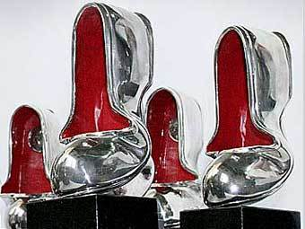 Серебряная калоша - Российская «антипремия», учрежденная в 1996 году радио «Серебряный дождь». Она вручается ежегодно за самые сомнительные достижения в области шоу-бизнеса.