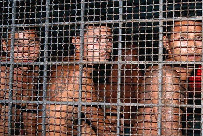 Банг Кванг (Таиланд) — по-другому эту тюрьму называют «Бангкок-Хилтон». Эта тюрьма является самой жестокой тюрьмой Таиланда, где многие заключенные просто-напросто сходили с ума уже после первого месяца пребывания.