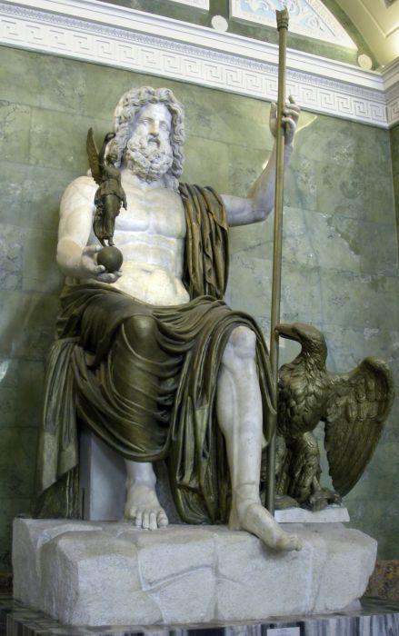 После смерти императора выпускали орла, чтобы он унес душу на небеса. Орел же являлся символом Бога Юпитера.  Древний Рим — одно из самых величайших государств Античности. Самые интересные факты о Древнем Риме