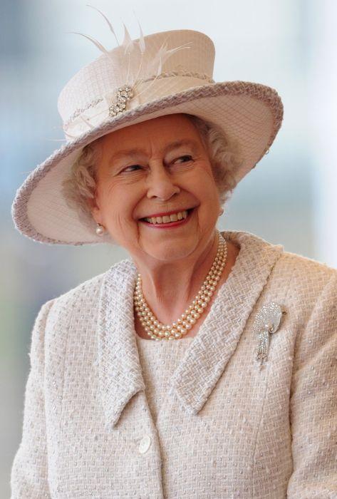 Английская королева Елизавета II является правящей королевой уже более 60 лет (с 1952 года).