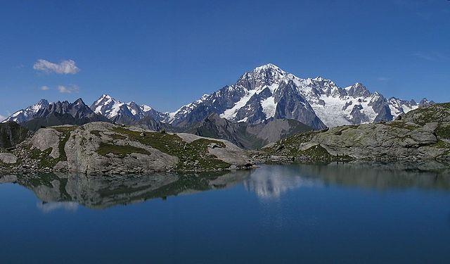 Гора Monte Bianco - самая высокая гора в Европе. Италия - европейская страна расположена на полуострове. Самые интересные факты об Италии и итальянцах