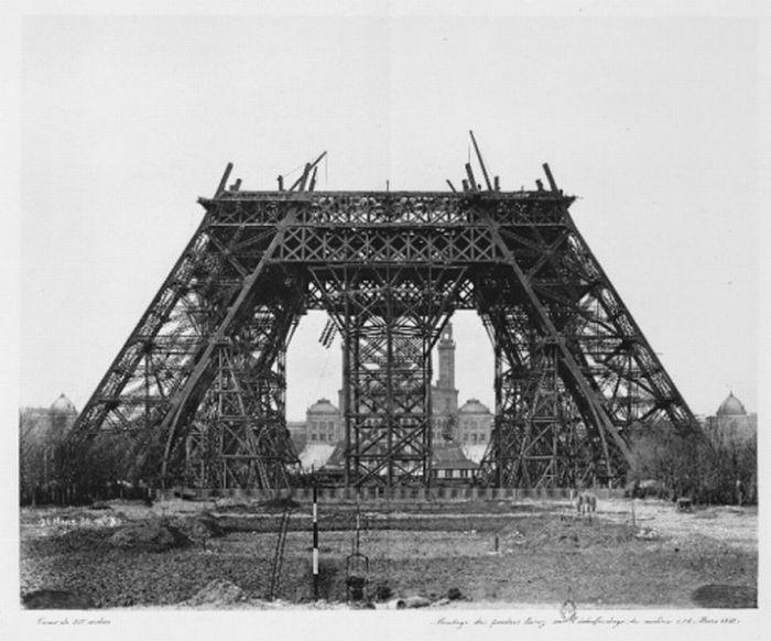 Всем знакомый символ Франции и Парижа - Эйфелева башня. Она была построена в 1989 году. Самые интересные факты об Эйфелевой башне. Строительство эйфелевой башни
