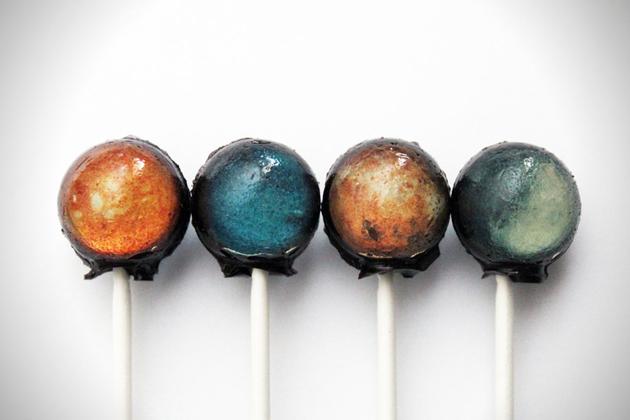 Самые интересные факты о конфетах и факты о шоколаде. Чупа-Чупс - первая конфета которая побывала в космосе.