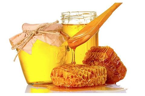 Мед – продукт, производимый пчелами. Многие из нас любят этот янтарный продукт. И конечно же все знают о его замечательных лечебных свойствах, а тем более сейчас зима, и неплохо было бы использовать Поэтому неплохо было бы осветить несколько интересных фактов о меде.