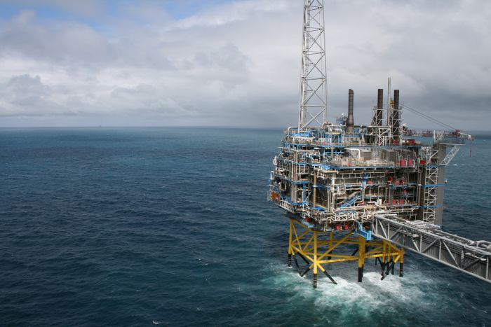 Норвегия, а точнее Королевство Норвегия — североевропейское государство, граничащее со Швецией, Финляндией и Россией. Самые интересные факты о Норвегии, Норвегия - один из самых больших добытчиков нефти и газа