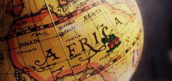 Интересные факты об Африке. Африка - это огромный континент расположенный между атлантическим и индийским океаном. В Африке множество видов климата и огромное количество стран. Культура и религия африки, ее традиции - все это увлекательно и интересно.